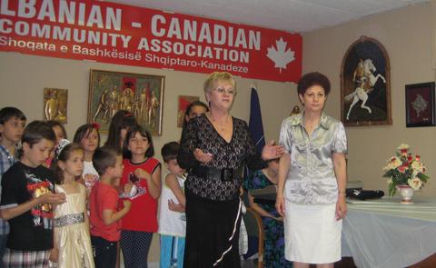 Festa e mbylljes së vitit shkollor për klasat shqipe