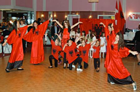 Festimi i 7-8 Marsit me mësuesit e fëmijët shqiptarë