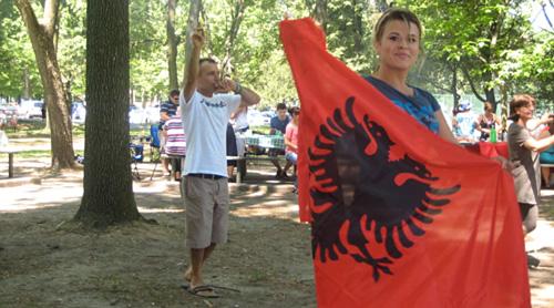 Pikniku veror me familjet shqiptare ne High Park