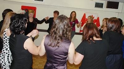 Festat e 7-8 Marsit mbledhin së bashku gratë e Torontos