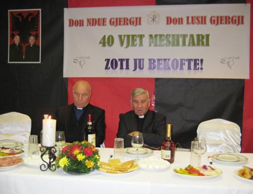 Festohet në Michigan 40 vjetori i meshtarisë së Don Lush Gjergjit dhe Don Ndue Gjergjit